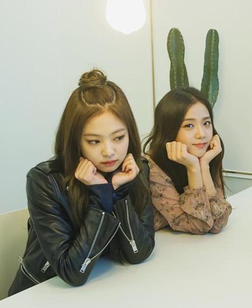 sao-han-10-4-hyo-min-khoe-dang-trong-anh-hau-truong-jennie-ji-soo-do-kute-1