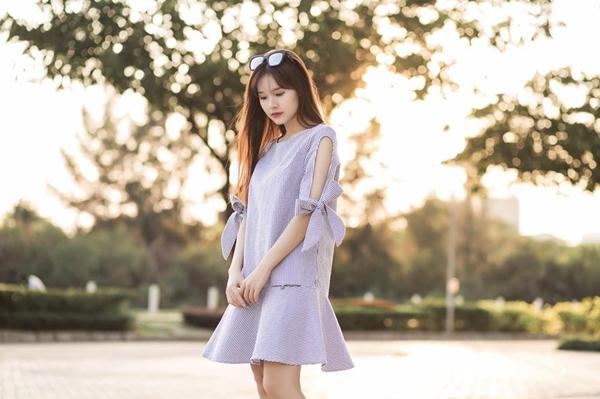 sao-viet-16-4-ho-ngoc-ha-lo-chan-ngan-huong-giang-meo-mat-vi-chay-show-9