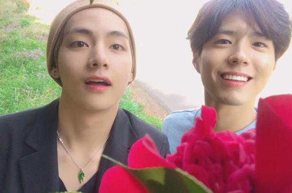 v-bts-bo-chay-khi-bi-fan-cuong-ruot-duoi-o-san-bay-3