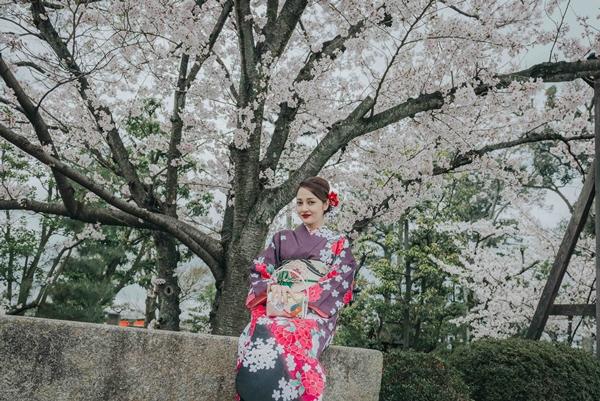 bao-anh-dep-sac-sao-khi-dien-kimono-dao-pho-nhat-1