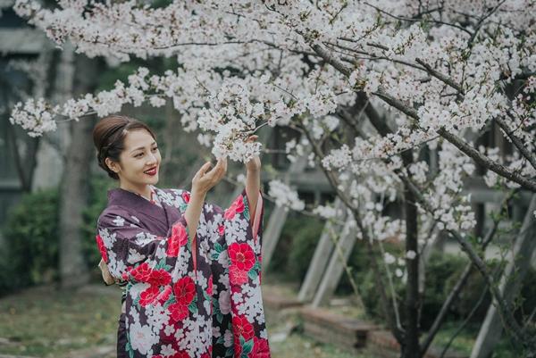 bao-anh-dep-sac-sao-khi-dien-kimono-dao-pho-nhat-7