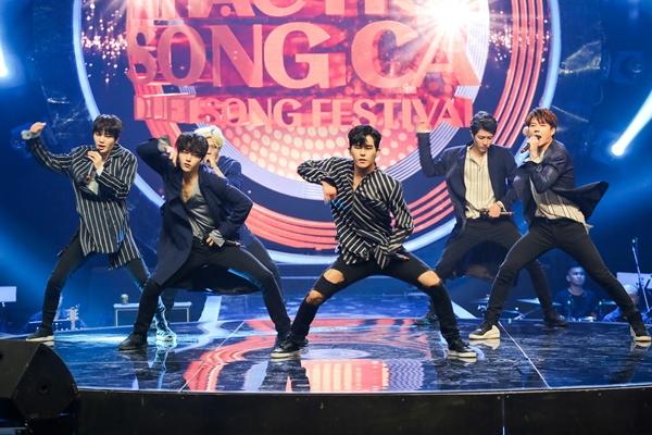 infinite-hut-hon-fan-viet-bang-loat-hit-khoe-vu-dao-1