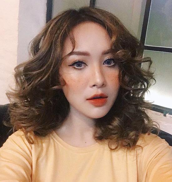 mo-tip-makeup-chuc-nang-nhu-mot-cua-cac-mau-shop-online-ha-thanh-4