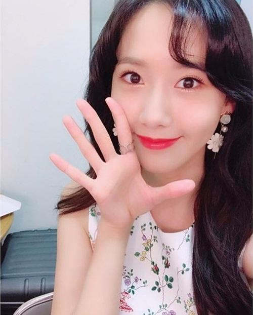 sao-han-24-4-kim-yoo-jung-ho-vai-tran-quyen-ru-na-yeon-khoe-dang-nuot-3