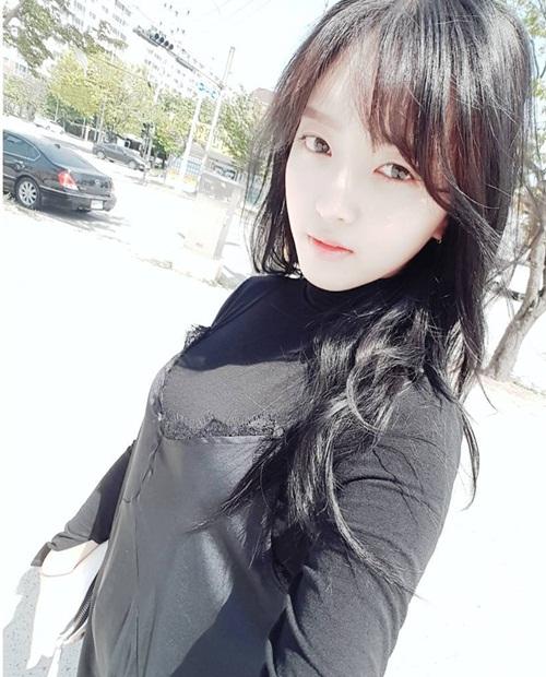 sao-han-25-4-seo-hyun-da-trang-su-joy-chong-nanh-dau-gau-7