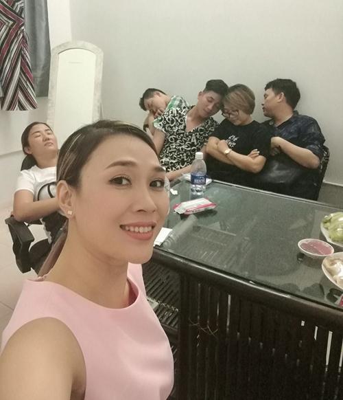 sao-viet-26-4-pham-huong-mac-lai-vay-thien-nga-ho-ngoc-ha-sang-chanh-sau-on-ao-the-face-3