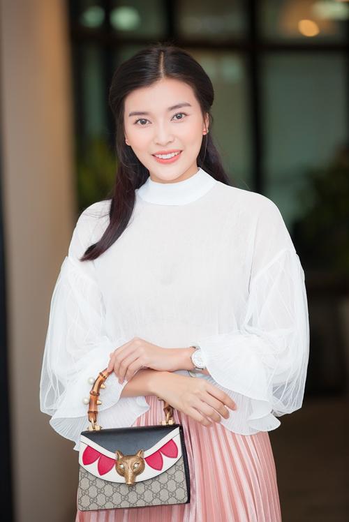 cao-thai-ha-trut-bo-son-phan-lam-nu-sinh-day-nuoc-mat-3