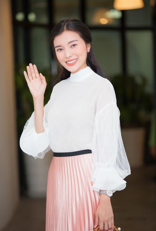 cao-thai-ha-trut-bo-son-phan-lam-nu-sinh-day-nuoc-mat-1