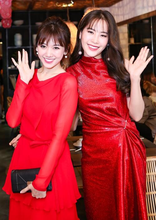 hari-won-dien-cay-do-do-sac-cung-nam-em-2
