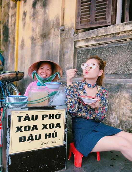 sao-viet-1-5-tam-tit-bau-6-thang-van-mi-nhon-thu-thao-dien-ao-tam-khoe-vong-1-10