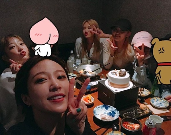sao-han-1-5-tae-yeon-toc-ngan-cool-ngau-hyo-min-khoe-eo-thon-hut-mat-6