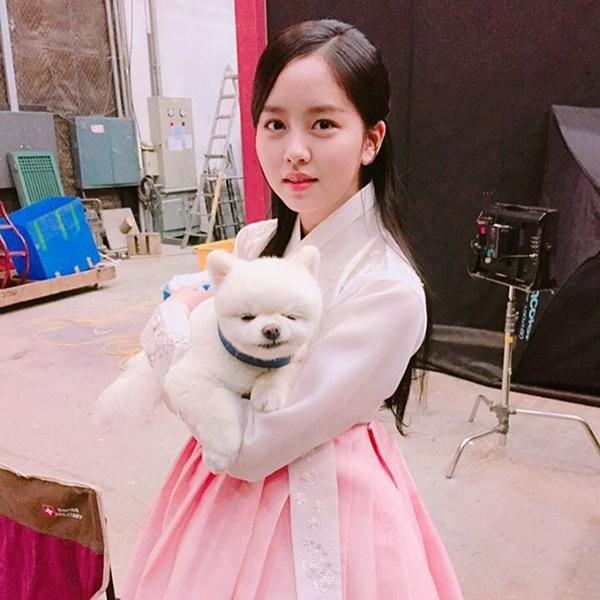 sao-han-1-5-tae-yeon-toc-ngan-cool-ngau-hyo-min-khoe-eo-thon-hut-mat-8