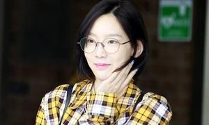 Tae Yeon gây náo loạn với style tomboy
