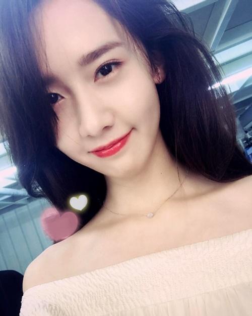 sao-han-2-5-dan-idol-nu-tha-dang-voi-bikini-g-dragon-chup-anh-co-tam-7