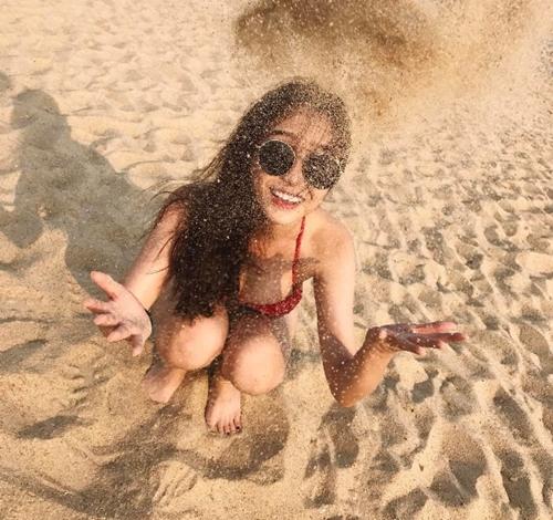 20-chieu-pose-hinh-khien-cac-co-gai-hut-tram-nghin-like-tren-facebook-6