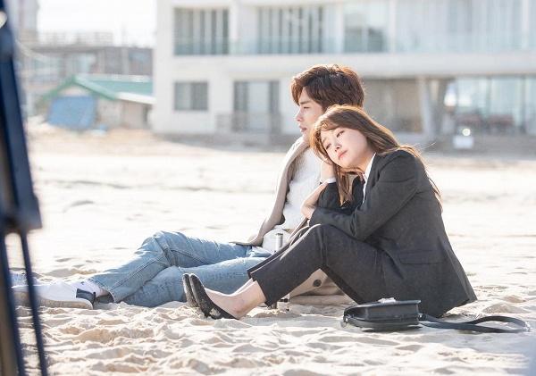 khong-kem-do-bong-soon-my-secret-romance-cung-day-khoanh-khac-cap-doi-chenh-nhau-1-cai-dau-1
