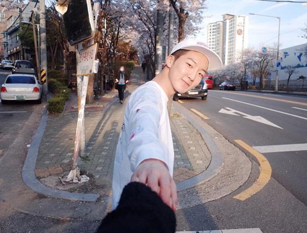 sao-han-5-5-yoon-ah-rang-ro-ben-trai-dep-dara-khoe-style-chat-ngau-6