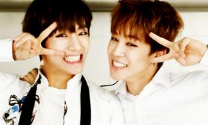 Khoảnh khắc đồng bộ như có 'thần giao cách cảm' của idol Kpop