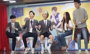 Hòa Minzy 'chơi lầy' khi bắn tiếng Thái tại fan meeting của Monstar