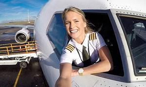 Nữ phi công bay khắp thế giới, chụp ảnh yoga để 'check-in'