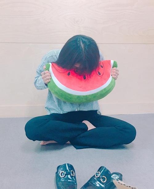 sao-han-8-5-sulli-mac-bikini-goi-cam-tzuyu-hoa-tieu-thu-ngot-ngao-4