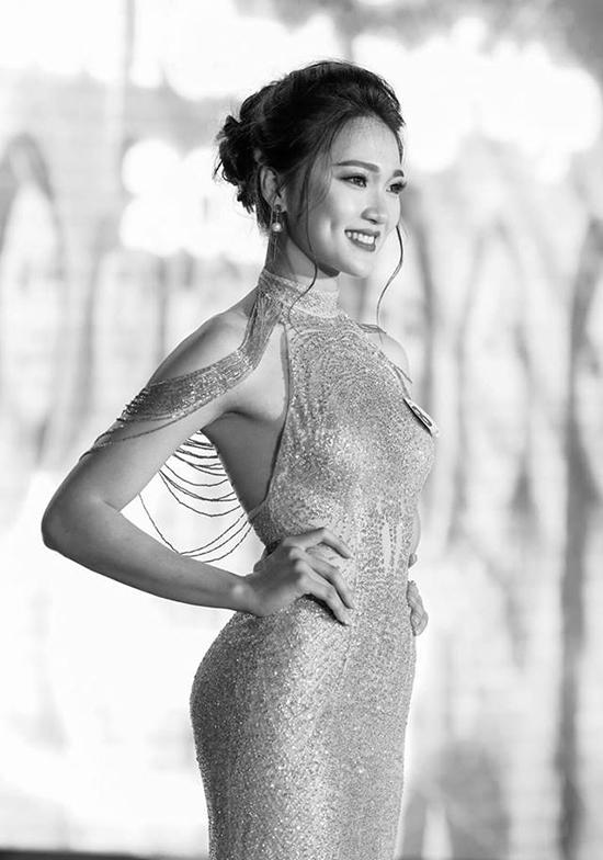 hot-girl-dep-tu-ten-den-nguoi-dan-dau-binh-chon-o-hoa-hau-hoan-vu-2017-2