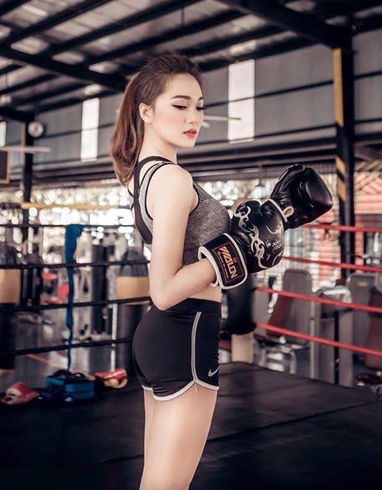 hot-girl-dep-tu-ten-den-nguoi-dan-dau-binh-chon-o-hoa-hau-hoan-vu-2017-3