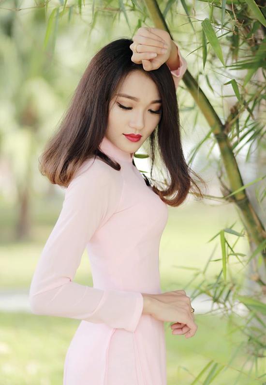 hot-girl-dep-tu-ten-den-nguoi-dan-dau-binh-chon-o-hoa-hau-hoan-vu-2017-4