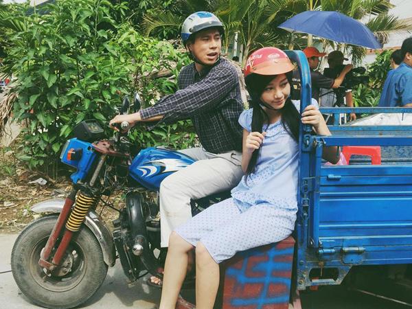 sao-viet-13-5-elly-tran-sexy-khong-can-chinh-huong-giang-xuyen-dua-qua-dau-8