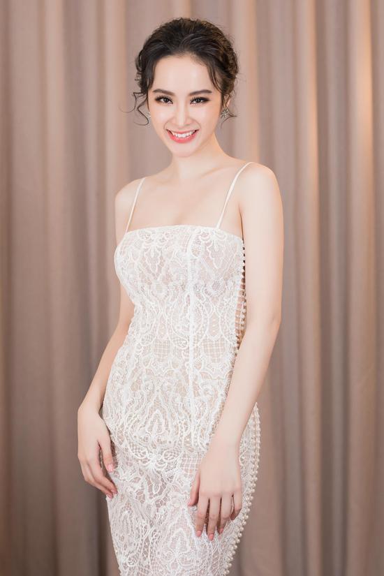 angela-phuong-trinh-khoe-duong-cong-s-line-duoc-fan-vay-kin-6