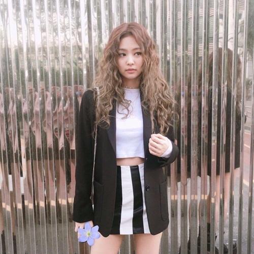 jennie-black-pink-idol-moi-lan-doi-kieu-toc-deu-gay-sot-7