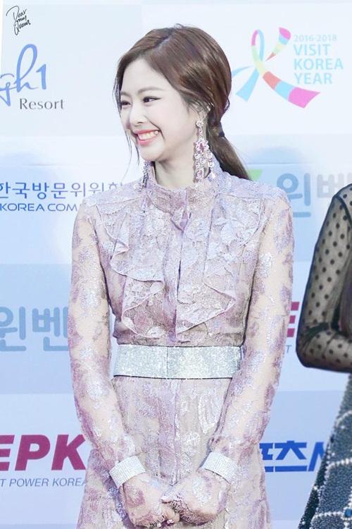 jennie-black-pink-idol-moi-lan-doi-kieu-toc-deu-gay-sot-8