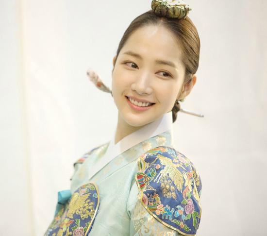 park-min-young-tung-anh-phim-xinh-yeu-kieu-lam-lu-mo-cac-nu-than-co-trang-khac-5