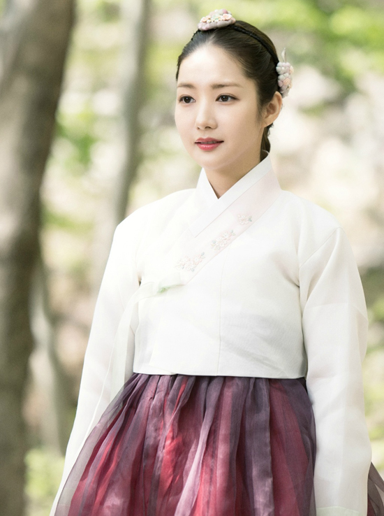 park-min-young-tung-anh-phim-xinh-yeu-kieu-lam-lu-mo-cac-nu-than-co-trang-khac-7