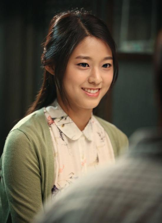 7-my-nhan-kpop-cu-dong-phim-la-khien-khan-gia-tut-hung-5