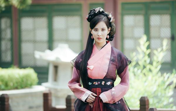 7-my-nhan-kpop-cu-dong-phim-la-khien-khan-gia-tut-hung-7