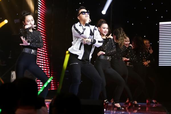 hoc-tro-thu-minh-nhay-gangnam-style-khien-toc-tien-ha-hoc-mieng