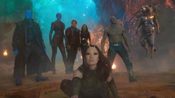 Mantis cùng team người hùng trên phim.