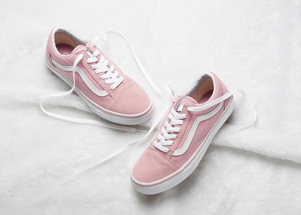 10-doi-sneaker-mau-huong-vua-ca-tinh-vua-xinh-yeu-nhu-keo-1