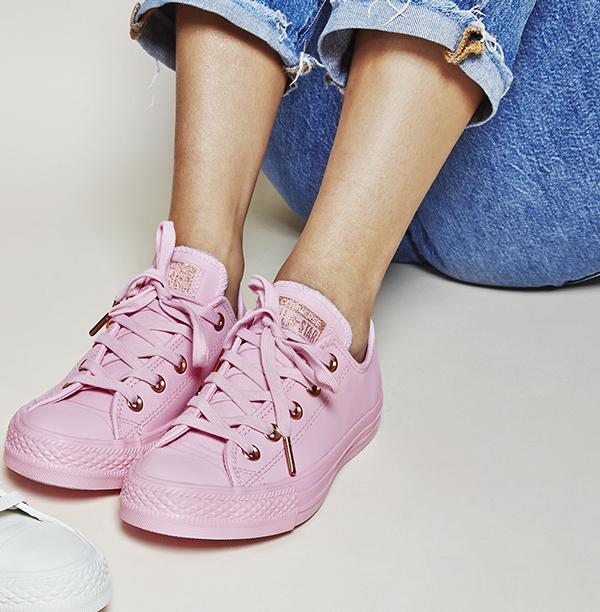 10-doi-sneaker-mau-huong-vua-ca-tinh-vua-xinh-yeu-nhu-keo-2