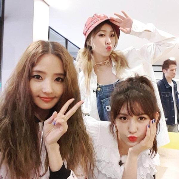 sao-han-16-5-soo-young-diu-dang-bat-ngo-le-khoe-vong-1-nong-bong-7
