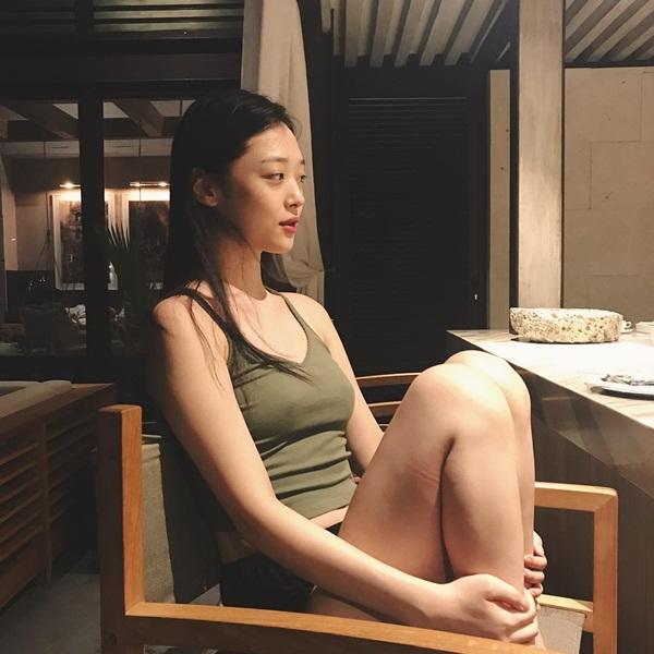 sao-han-16-5-soo-young-diu-dang-bat-ngo-le-khoe-vong-1-nong-bong-5
