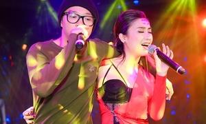 Tiêu Châu Như Quỳnh bị bạn thân 'ép' sexy sau 5 năm