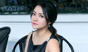 Thủy Top phá bỏ áp đặt 'xinh đẹp, não ngắn' sau 3 tháng 'mất tích'