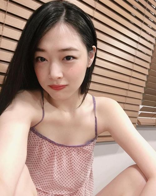 sulli-seol-hyun-cang-noi-nhu-con-sau-nhieu-scandal-nho-xinh-dep-hon-nguoi-5