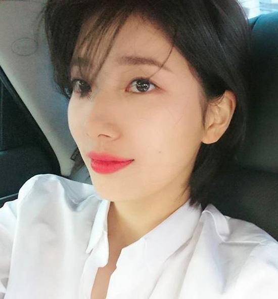suzy-co-lan-da-trang-hong-cuc-phm-khong-ong-kinh-nao-co-the-dim-7