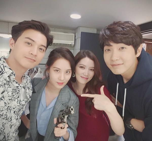 sao-han-20-5-momo-than-thiet-voi-hee-chul-seo-hyun-ra-ve-cool-ngau-1
