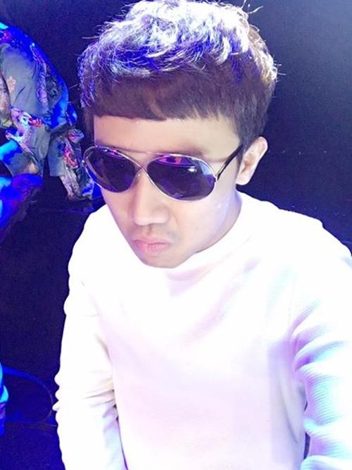 sao-viet-21-5-dong-nhi-dinh-chinh-so-nam-yeu-duong-khoi-my-khoe-gia-tai-khung-fan-tang-9