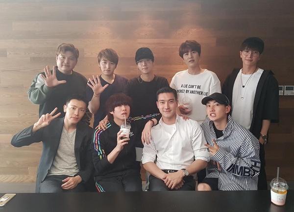 sao-han-21-5-seol-hyun-somi-khoe-chan-thon-tae-yeon-lo-co-bung-san-chac-6