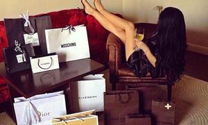 Hội con nhà giàu chứng minh sắm hàng hiệu cũng chỉ như đi chợ